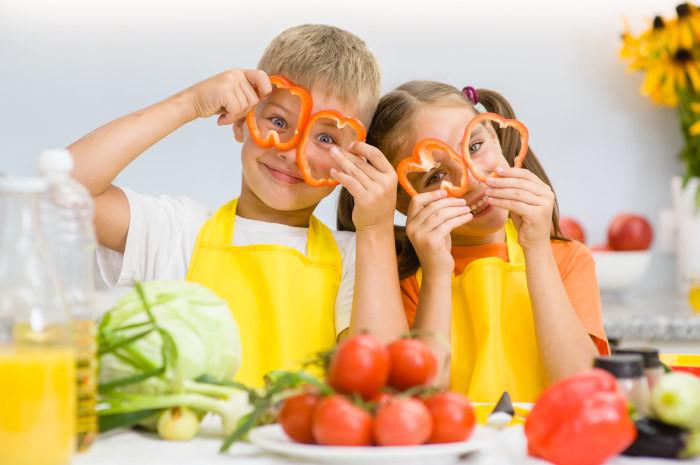 """Zdrowe odżywianie dzieci – jak powinna wyglądać dieta dziecka? Przykładowy  jadłospis - blog - Kopalnia Soli """"Wieliczka"""""""